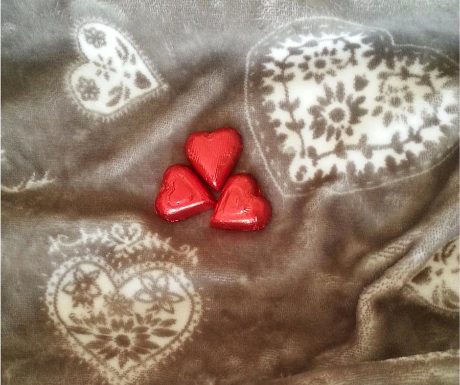 אסנת חן - לבבות שוקולד