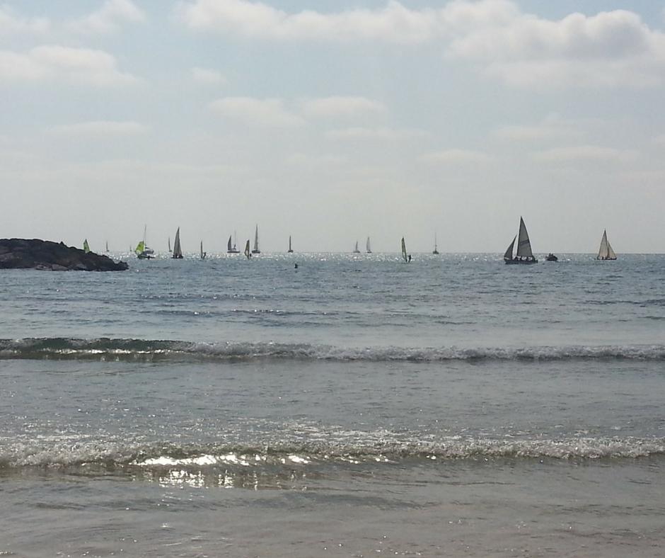ים עם סירות - אסנת חן